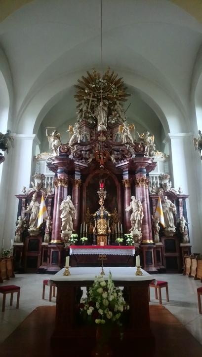 Altar ...