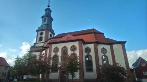 ... führt mich in die Steinauer Reinhardskirche ...